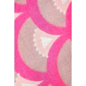 Zoom sur Koinobori Rose Fluo Madame Mo. Idée cadeau poétique, éthique, écologique d'inspiration japonaise